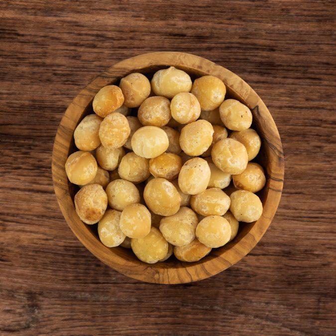 Macadamia's drooggeroosterd